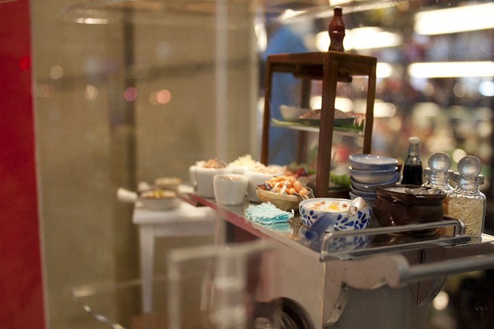 Model of a traditional congee food cart